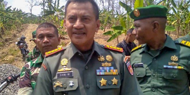 Danrem 071/WK : Prajurit TNI Harus Semakin Menyatu Dan Manunggal Dengan Masyarakat